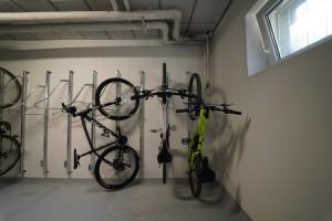 Držiak na bicykel na stenu VERTIKAL PRO, Pozink