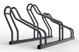 Stojan na bicykle určený na parkovanie 3 bicyklov rôznych typov. Stojan vďaka svojej konštrukcii umožňuje prvé nastavenie státia do ľubovoľného uhla. Môžete ho natočiť na ľavú a právú stranu podľa potreby. Následne stojan zaaretujete - utiahnete skrutkami. Montáž je jednoduchá a zvládne ju každy. Stojan na bicykle je vhodný do úzkych priestorov vďaka striedavej konštrukcii parkovacích miest a rozostupu 32 cm medzi stojanmi. Tento stojan je vo farebnóm prevedení podľa vzorkovníka ral.